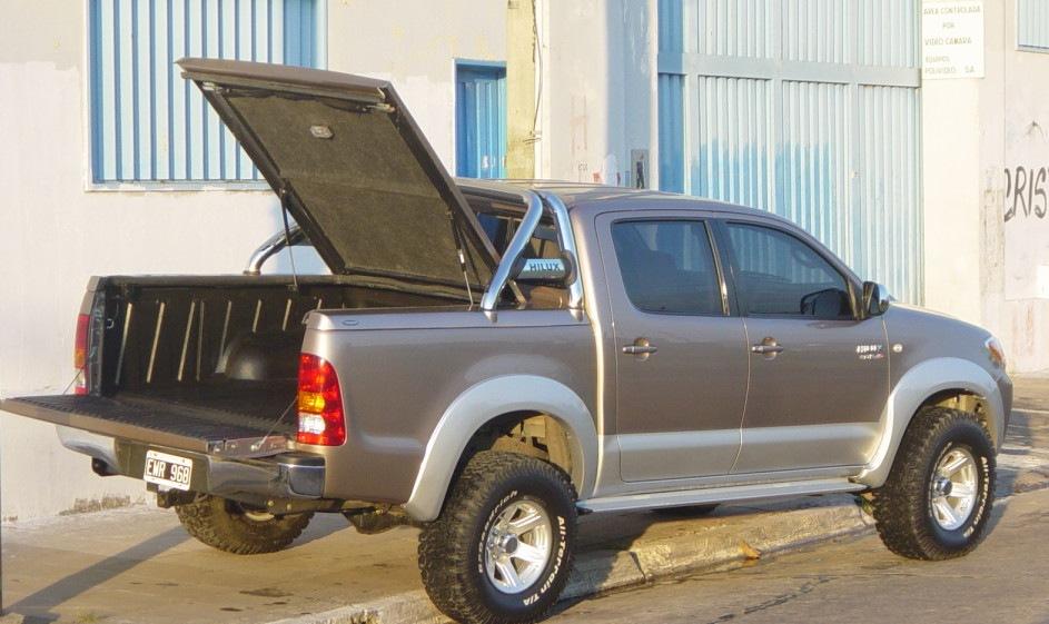 Cobertor de Caja Hard Box Tronador para Toyota Hilux