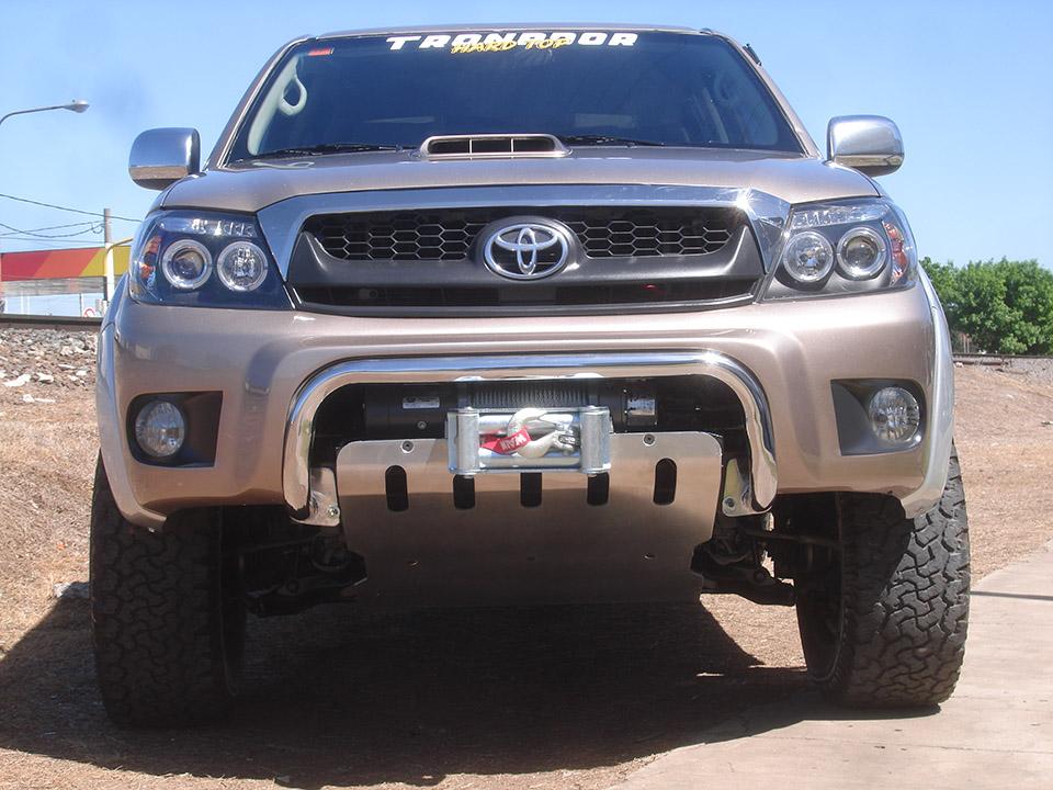 Bumper Sport + Malacate + Cúpula Hard Top Toyota Hilux Doble Cabina