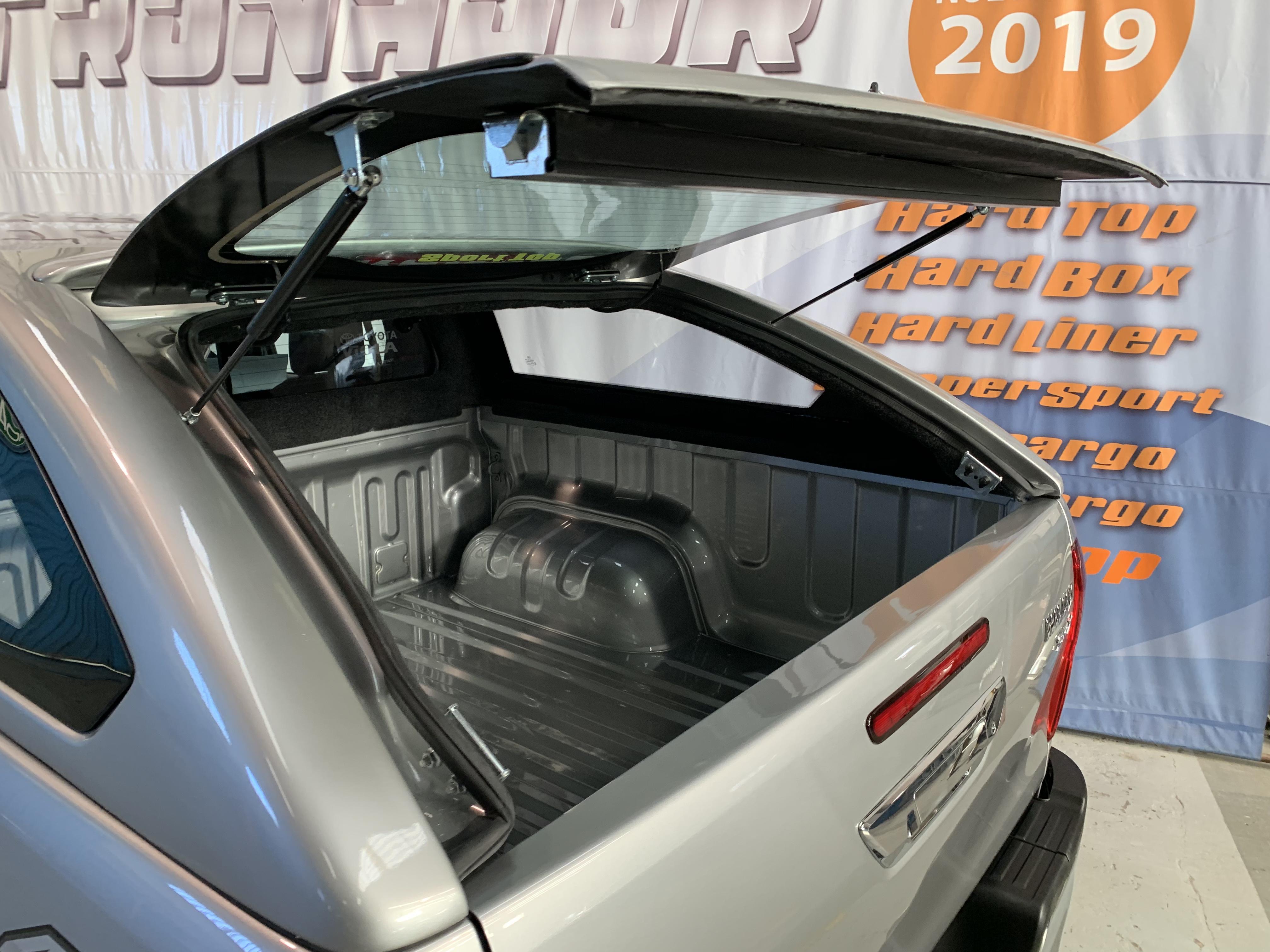 Toyota-Hilux-2016-cupulas-tronador